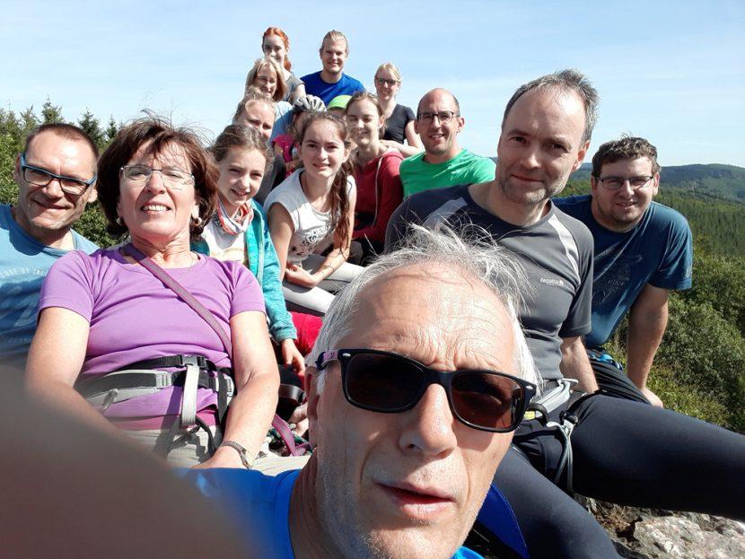 Klettergruppe des TV Ransbach auf der Teufelsley in der Eifel