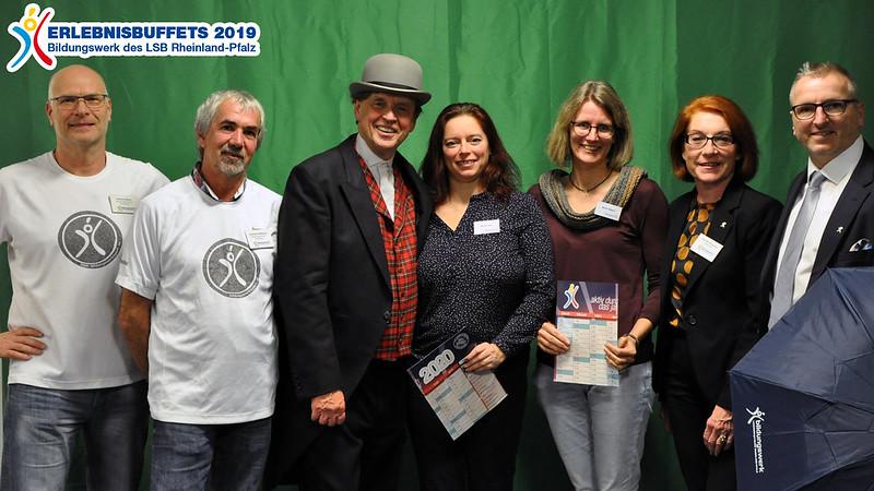 Nicole Harz und Britta Hilpert, Vorsitzende des TV Ransbach beim Erlebnisbuffet des Bildungswerks des LSB Rheinland-Pfalz